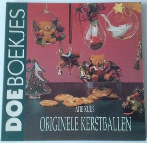 DoeBoekje 05987 Originele Kerstballen met Fimo, Atie Kuus